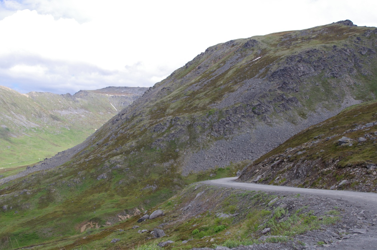 The dirt and gravel road that is Hatcher Pass