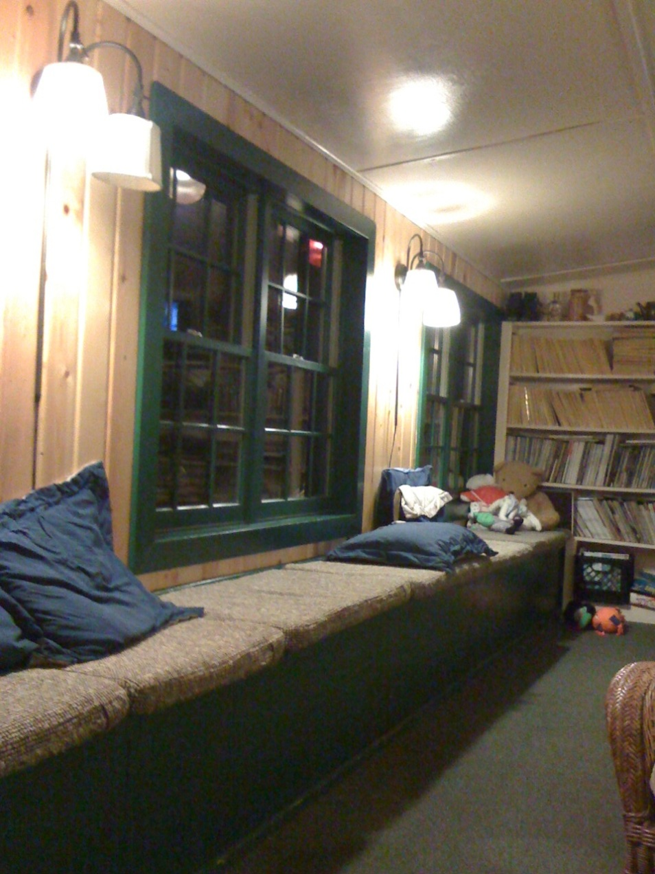 Talkeetna Roadhouse common area, photo 2.