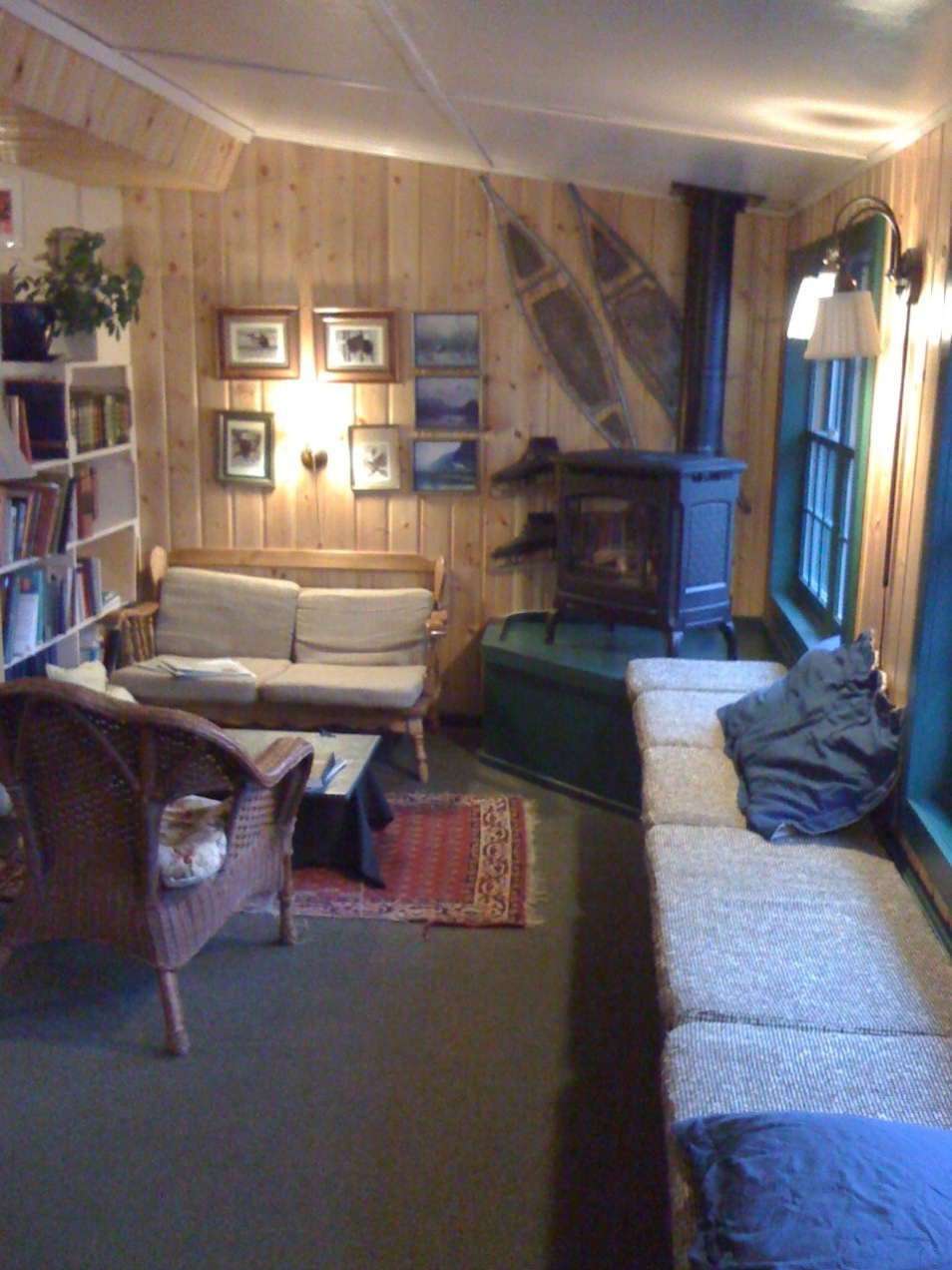Talkeetna Roadhouse common area, photo 3.
