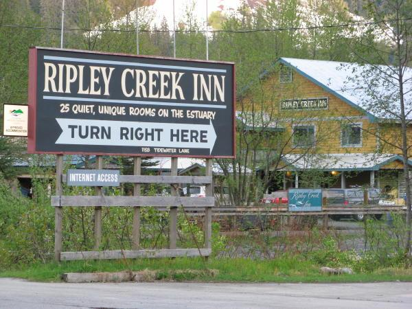 Ripley Creek Inn sign