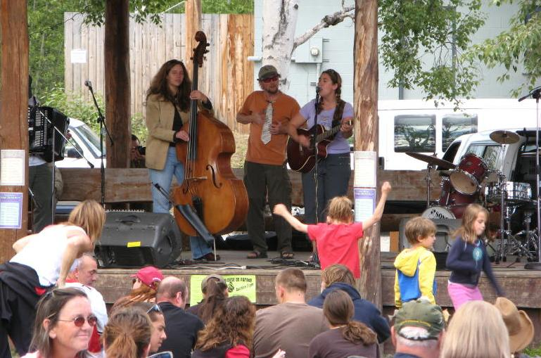 Melissa Mitchell playing at the Talkeetna Moose Festival